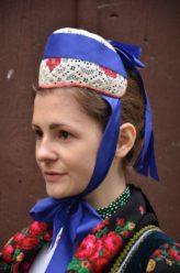 Eibacher Tracht Frauentracht Kopfbedeckung Rot Seite