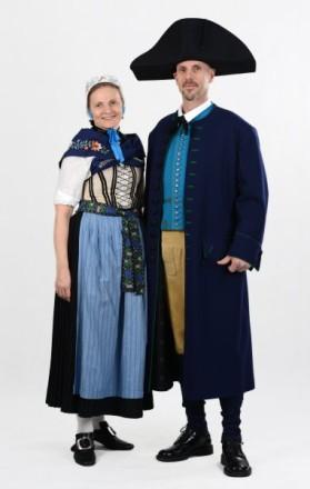 Paar in Ländches Tracht