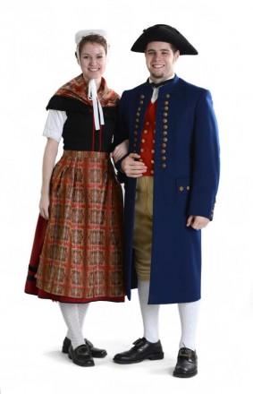 Paar in Odenwälder Tracht