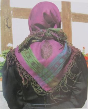 Rotenburger Tracht Kopftuch der Frau