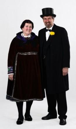 Paar in Watzenborner Tracht