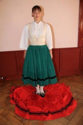 Röcke der Frau in Lauterbacher Tracht